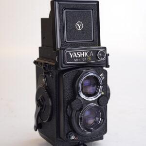 yashica1251-1.jpg